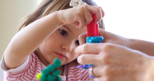 Развитие мелкой моторики у детей до 1 года своими руками