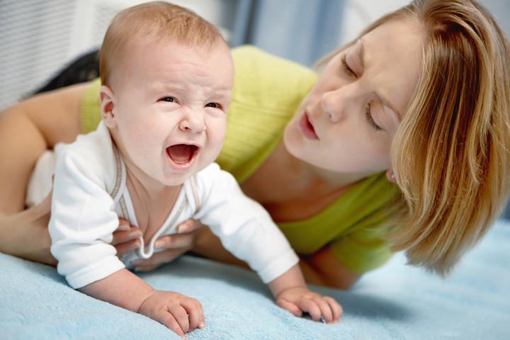 Во время кормления ребенок