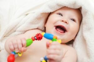 играем с новорожденным