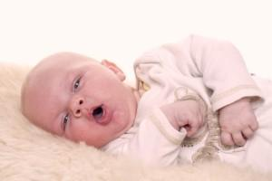 Помощь малышу при насморке и температуре