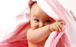 Чистим носик новорождённому от соплей