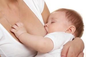 Почему у младенцев аллергия при грудном вскармливании?