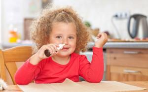 Что делать при соплях и чихании у малыша