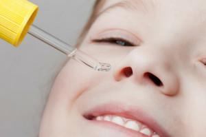 Выбираем лучшее средство детям от насморка