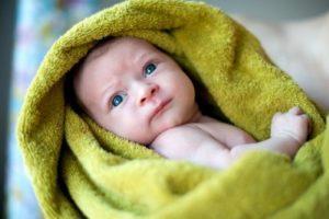 Отсутствие сна у новорождённого: причины