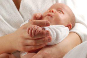 Новорожденный ребенок плохо спит