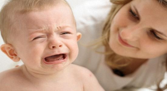 Почему грудничок плачет при массаже