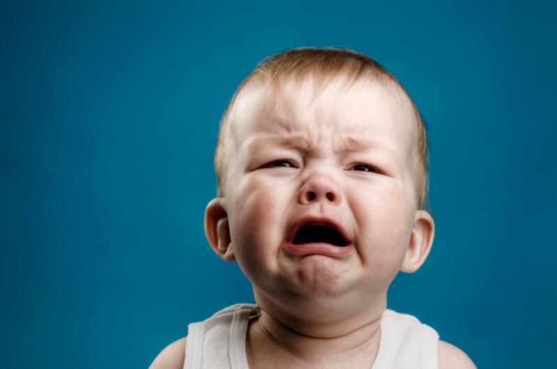 Плачет ребенок картинка