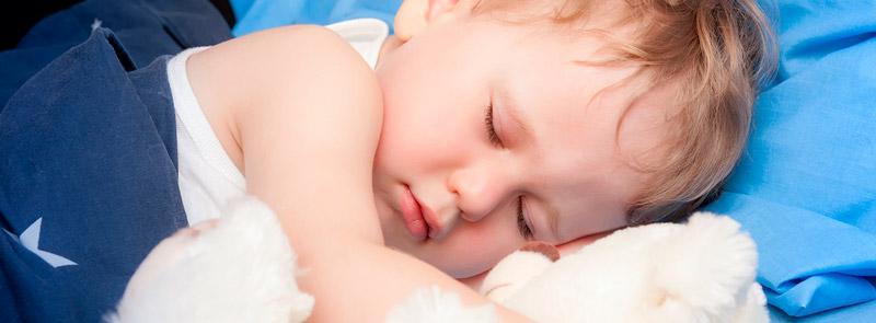 Месячный ребенок мало спит