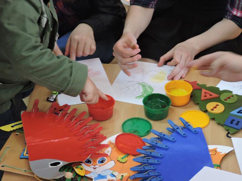 Игрушки для развития ребенка своими руками фото 958
