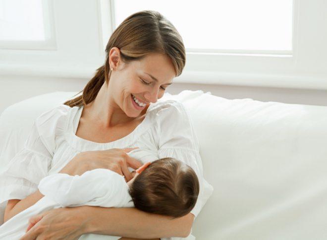 Правила кормления новорожденных