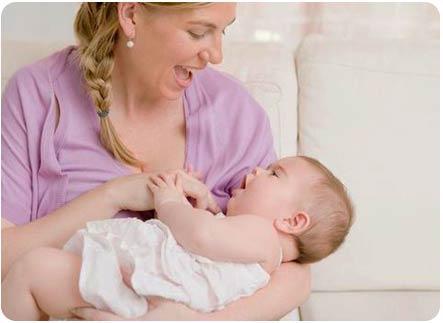Почему малыш отказывается от груди
