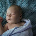 Приучаем малыша спать ночью без памперса