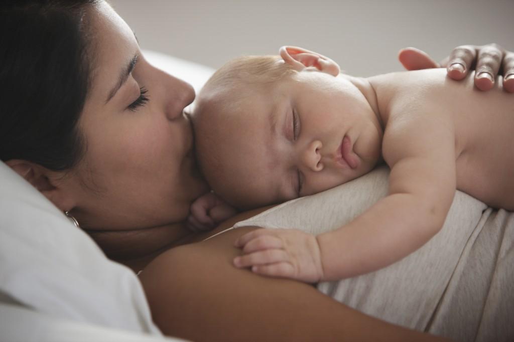 Сладкий сон с мамой