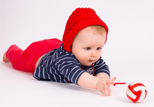План развития ребенка по месяцам для мальчика и девочки