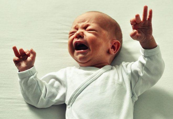 baby ne mozhet usnut