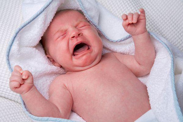 Ищем причину плача ребенка