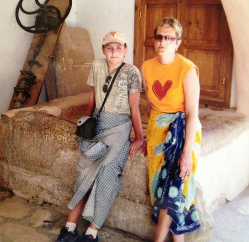 Максим Курцаев с мамой в Египте