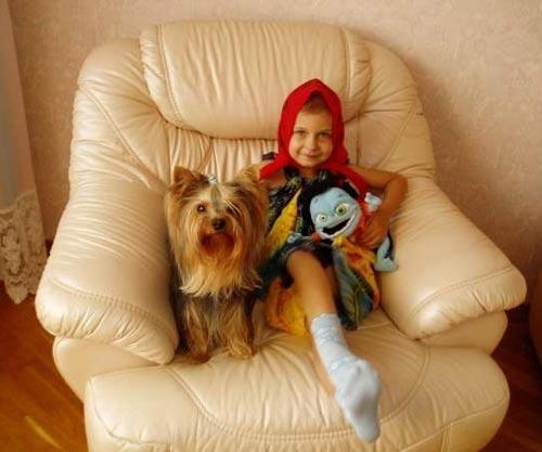 Маленькая Юля Ершова и Рики